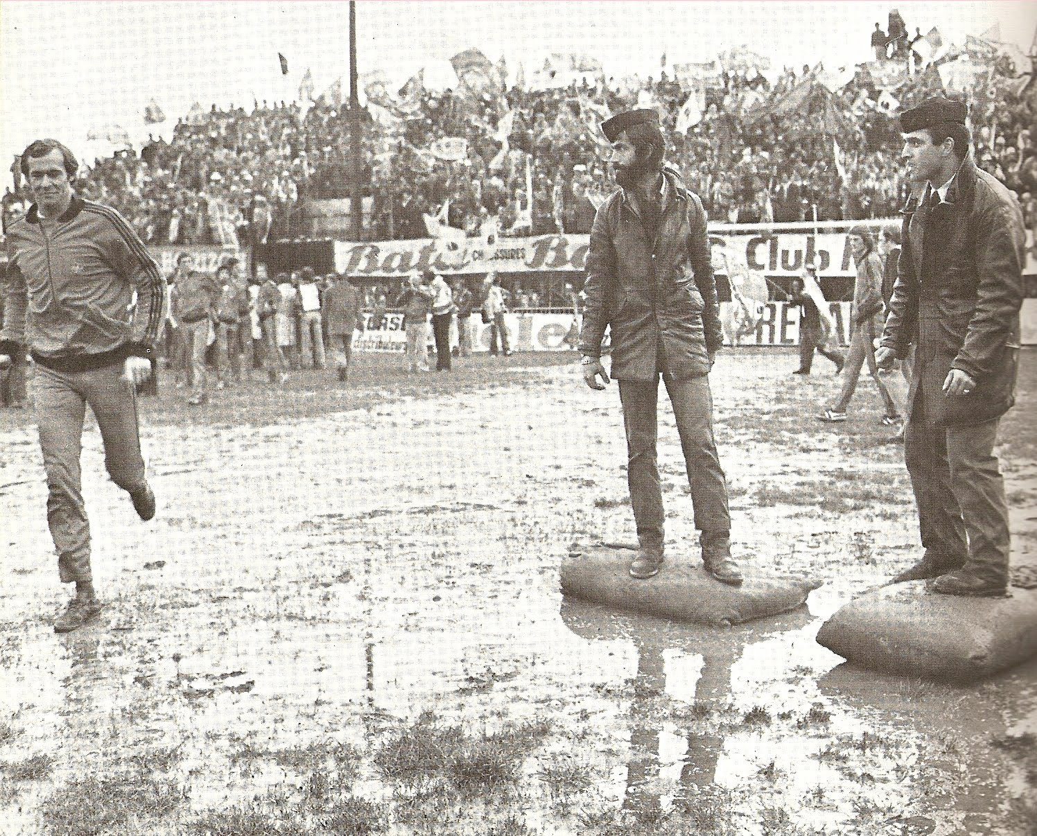 L'état du terrain de Furiani avant la finale aller face au PSV Heindhoven.
