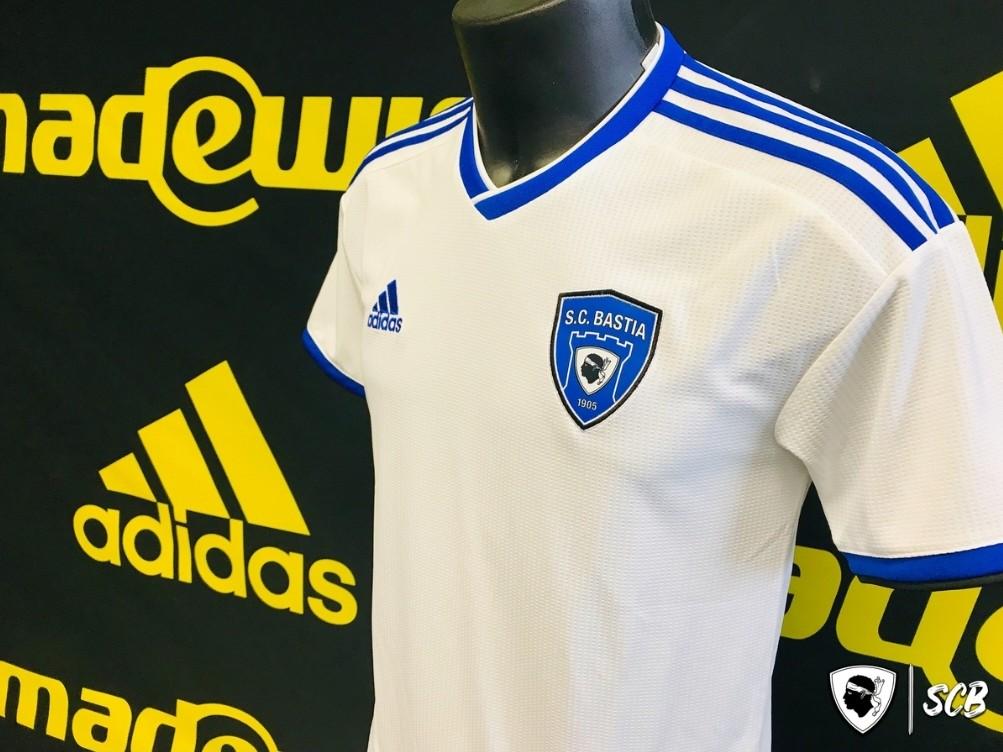 Adidas nouvel équipementier du SC Bastia